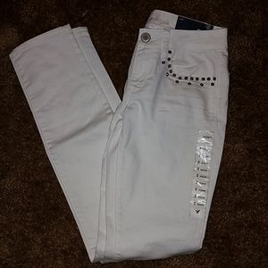White Wash Spiked Pocket Skinny Jean's- Size 2